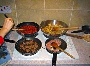 Con la crisis volvemos a cocinar en casa sociedad de for Cocinando en mi casa