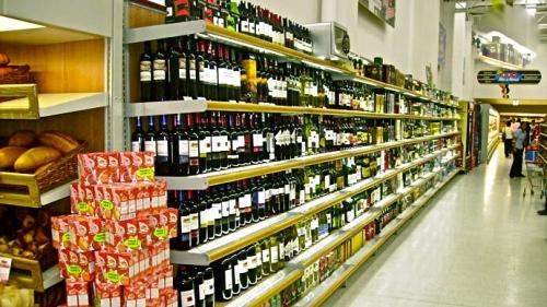 supermercados-estanteria-abarrotes-vinos1